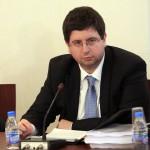 """Петър Чобанов: Няма """"разхлабване на коланите"""""""