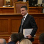 "Горанов защити спорния данък ""уикенд"""